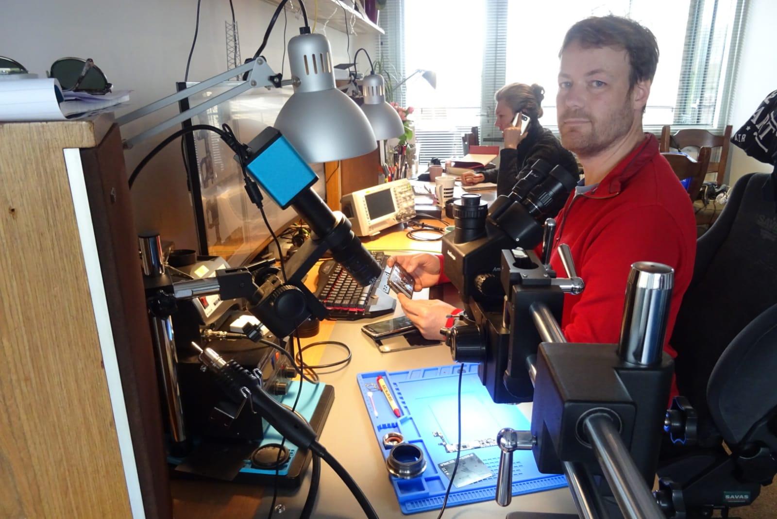 Moederbord specialist Floris - 30minutes-repair.nl