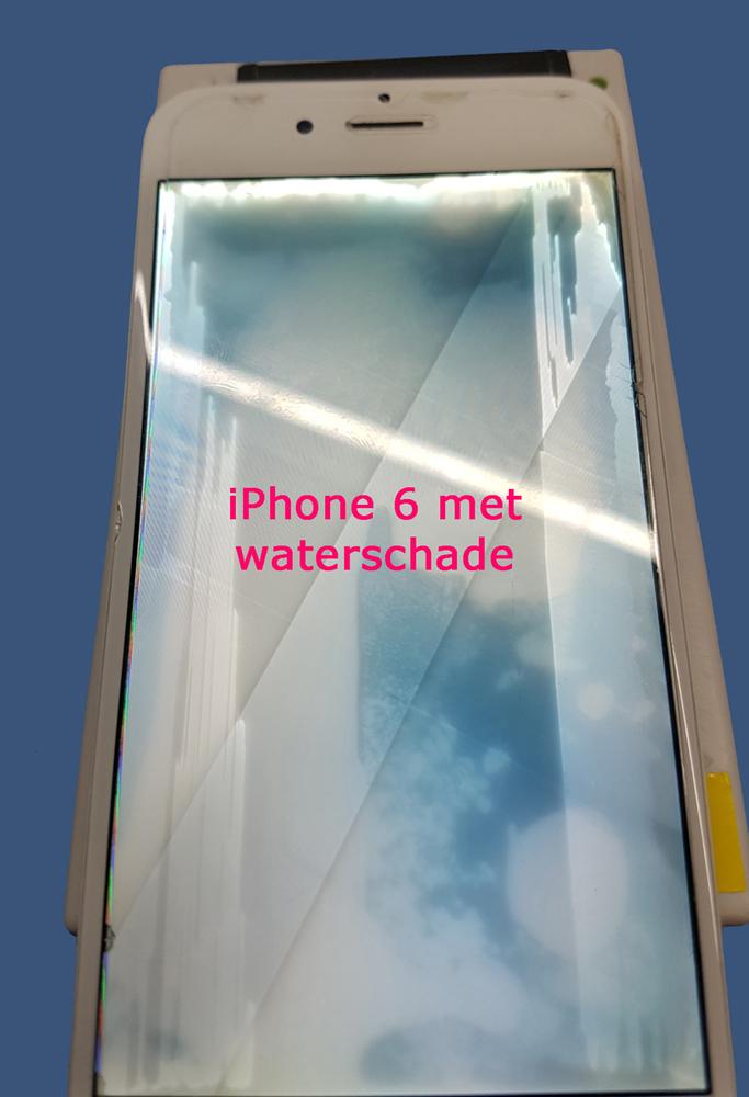 iPhone 6 met watersporen in het scherm